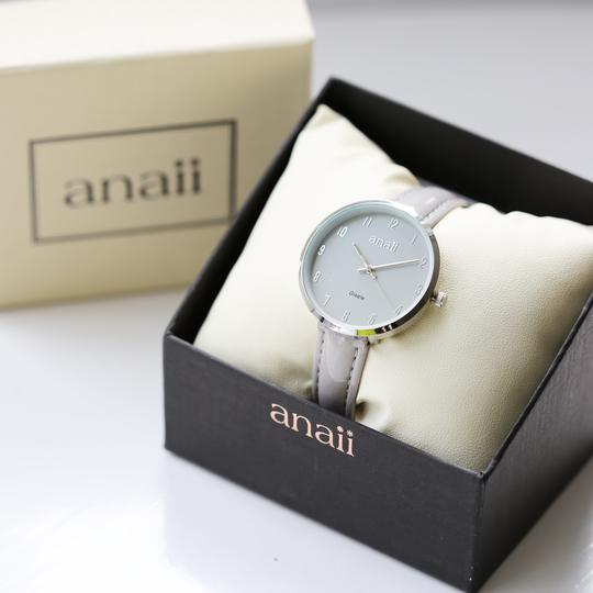 Handwriting Engraved Anaii Watch In Flint Grey